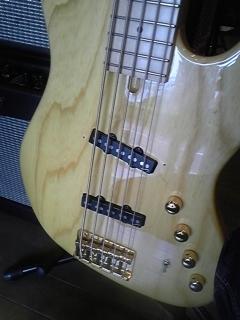 MOON 5弦ベース